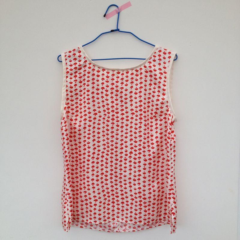 New Look Pattern 6483 Sleeveless Top - The Boxer Dog\'s Pyjamas